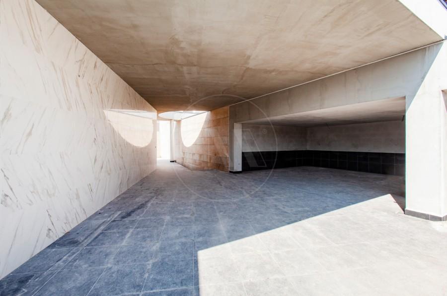 Parqueamento/Garagem (Imagem 1)